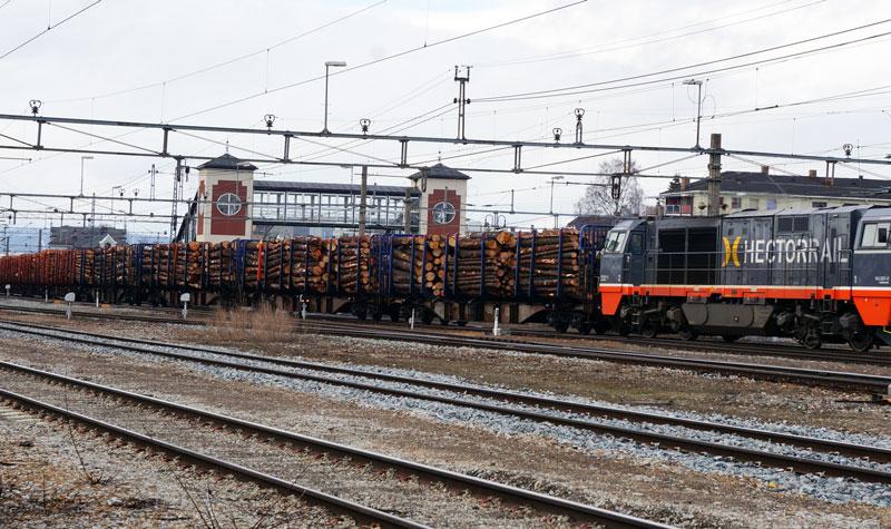 Hamar Jernbanestasjon - tømmertransport